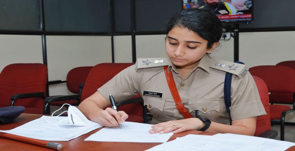 Aishwarya-Dongre-IPS