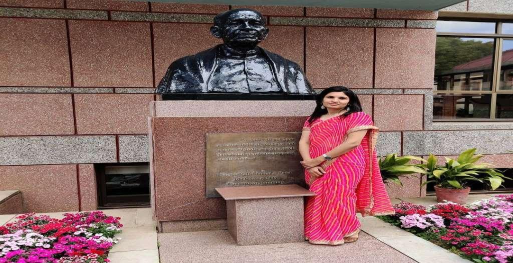 IAS Nidhi Siwach Biography
